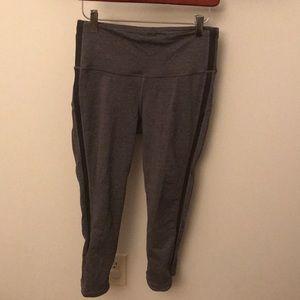 Lululemon gray w/black mesh leg leggings, Sz 6